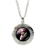 Collier Pendentif Médaillon Catrina Tatouage Fleurs Rose Rouge