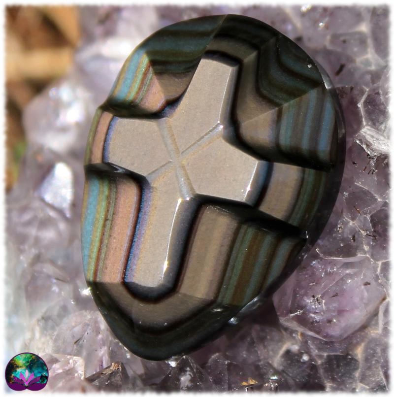 Cabochon exceptionnel croix en Obsidienne Oeil céleste