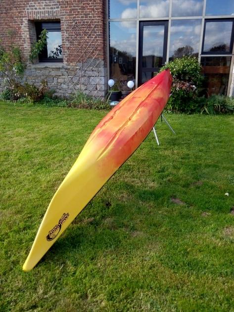 kayak de mer dag mid way luxe rouge jaune occasion. Black Bedroom Furniture Sets. Home Design Ideas