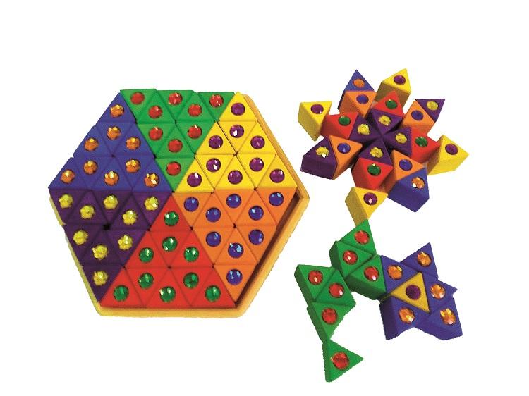 Triangles colorés en bois avec pierres brillantes - 54 pièces