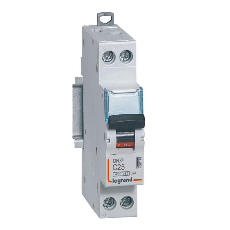 Disjoncteur DNX³ 4500 - vis/vis - U+N 230V~ 25A - 4,5kA - courbe C