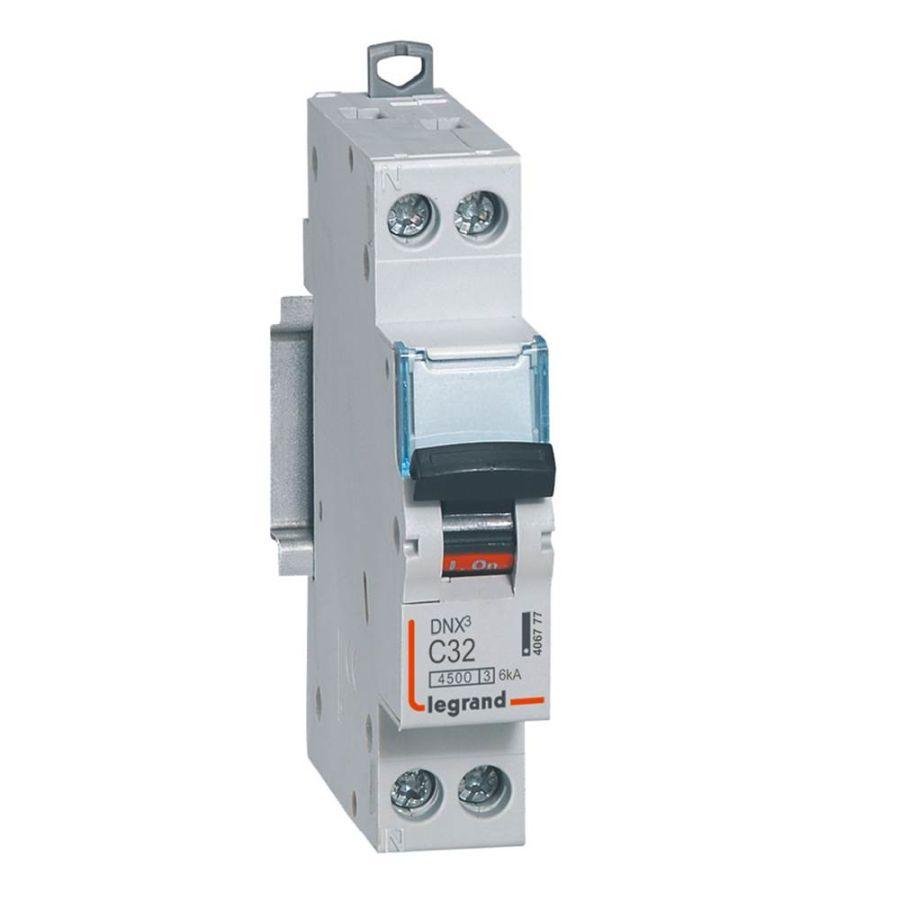 Disjoncteur DNX³ 4500 - vis/vis - U+N 230V~ 32A - 4,5kA - courbe C