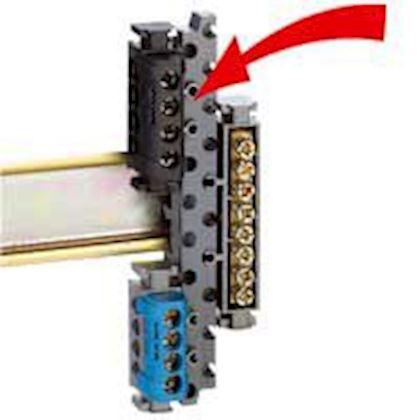 Support universel pour monter tous borniers sur rail symétrique ou asymétrique legrand 004811