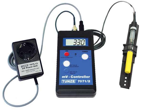 TUNZE mV Controller 7075/2 contrôleur électronique de Redox avec prise 230V pour la commande d\'un ozoniseur