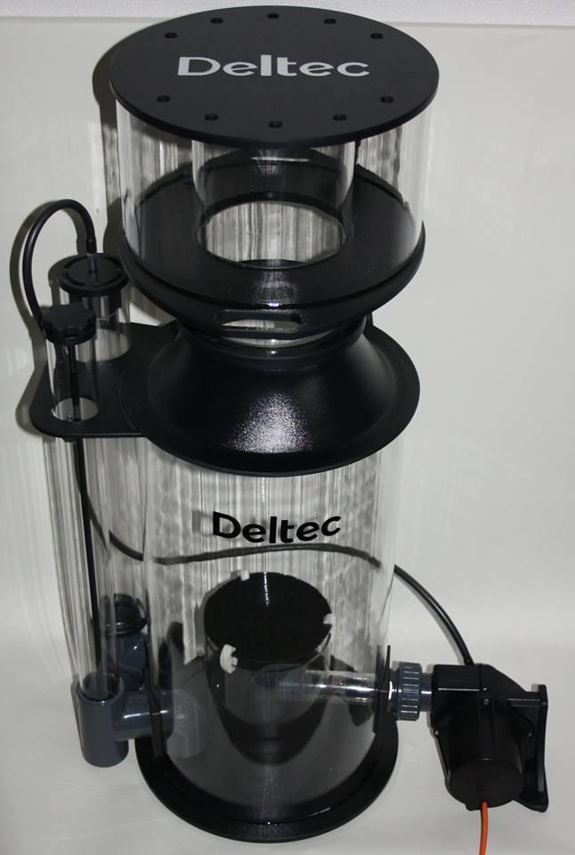 DELTEC Skimmer i7 Black Edition écumeur interne avec pompe 24V et contrôleur pour aquarium jusqu\'à 7000L