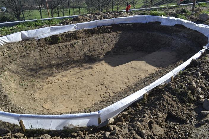 construction d 39 un bassin de jardin avec b che epdm. Black Bedroom Furniture Sets. Home Design Ideas