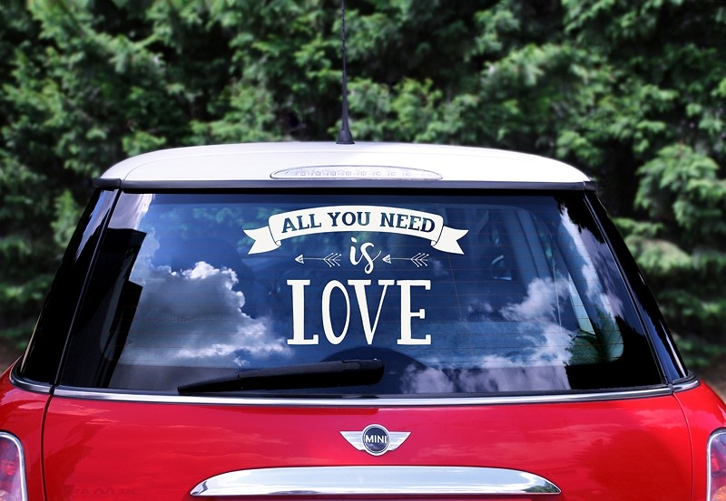 Sticker voiture All you need is love