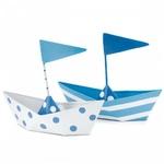 6 bateaux en métal pour confiseries sur fond blanc