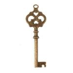 6 clés antiques vintage sur fond blanc