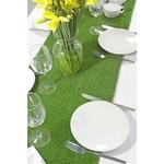 Chemin de table original en herbe synthétique sur table