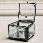 Boite à bijou monogramme en verre personnalisable2