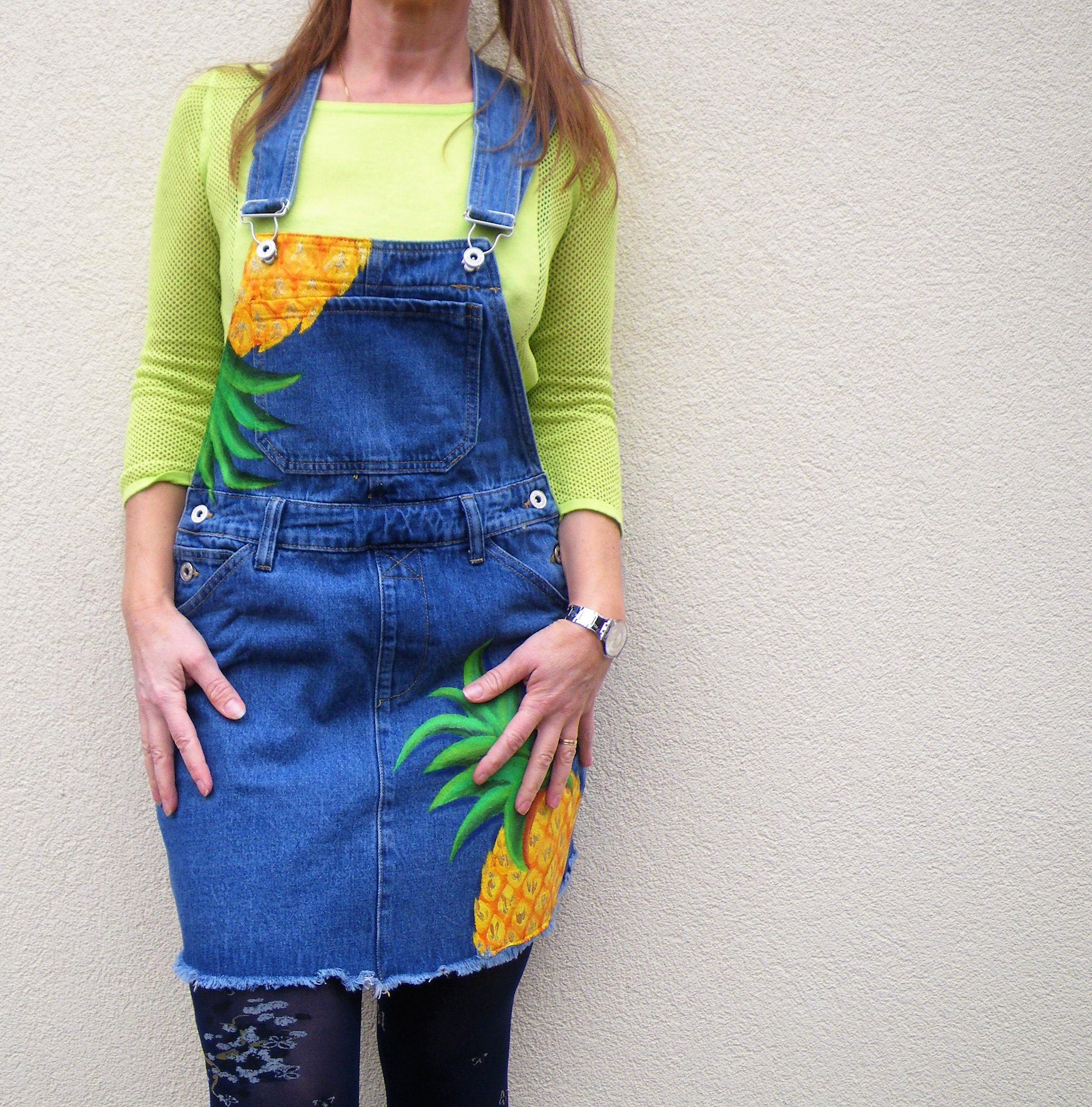 Salopette-robe en jean peinte à la main pour femme et fille