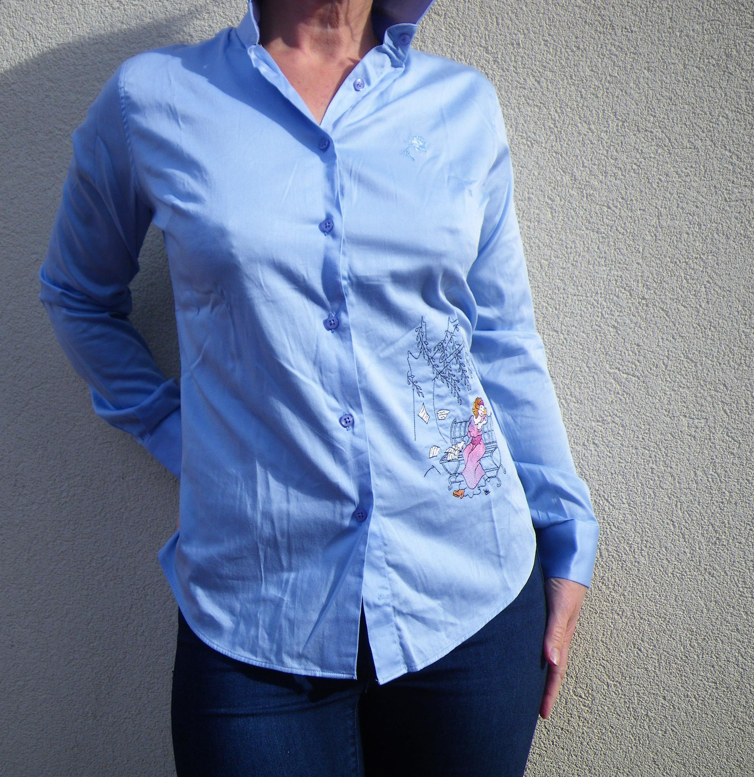 Chemise  bleue manches longues brodée en coton pour femme