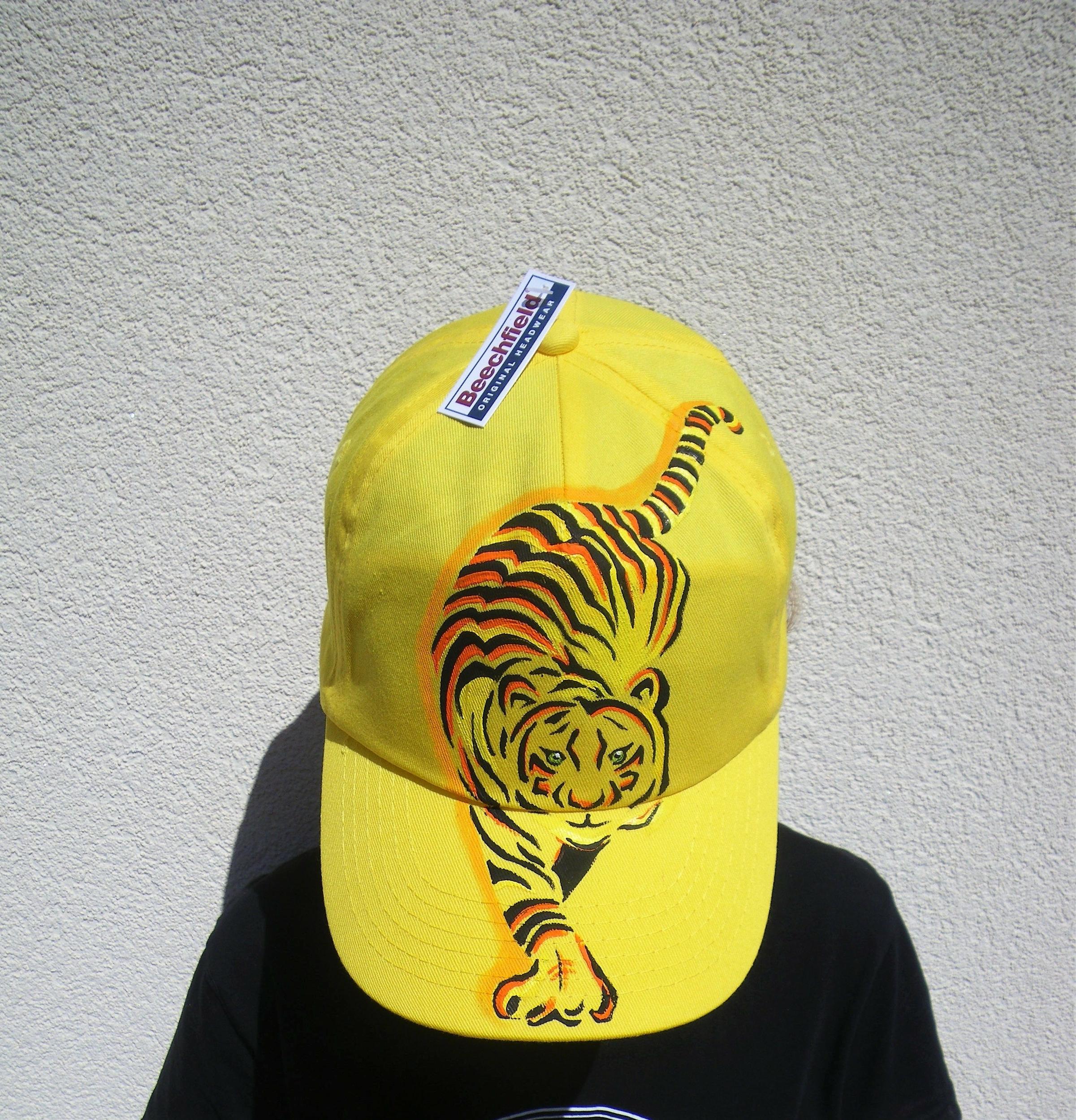 Casquette enfant tigre en coton jaune peinte à la main