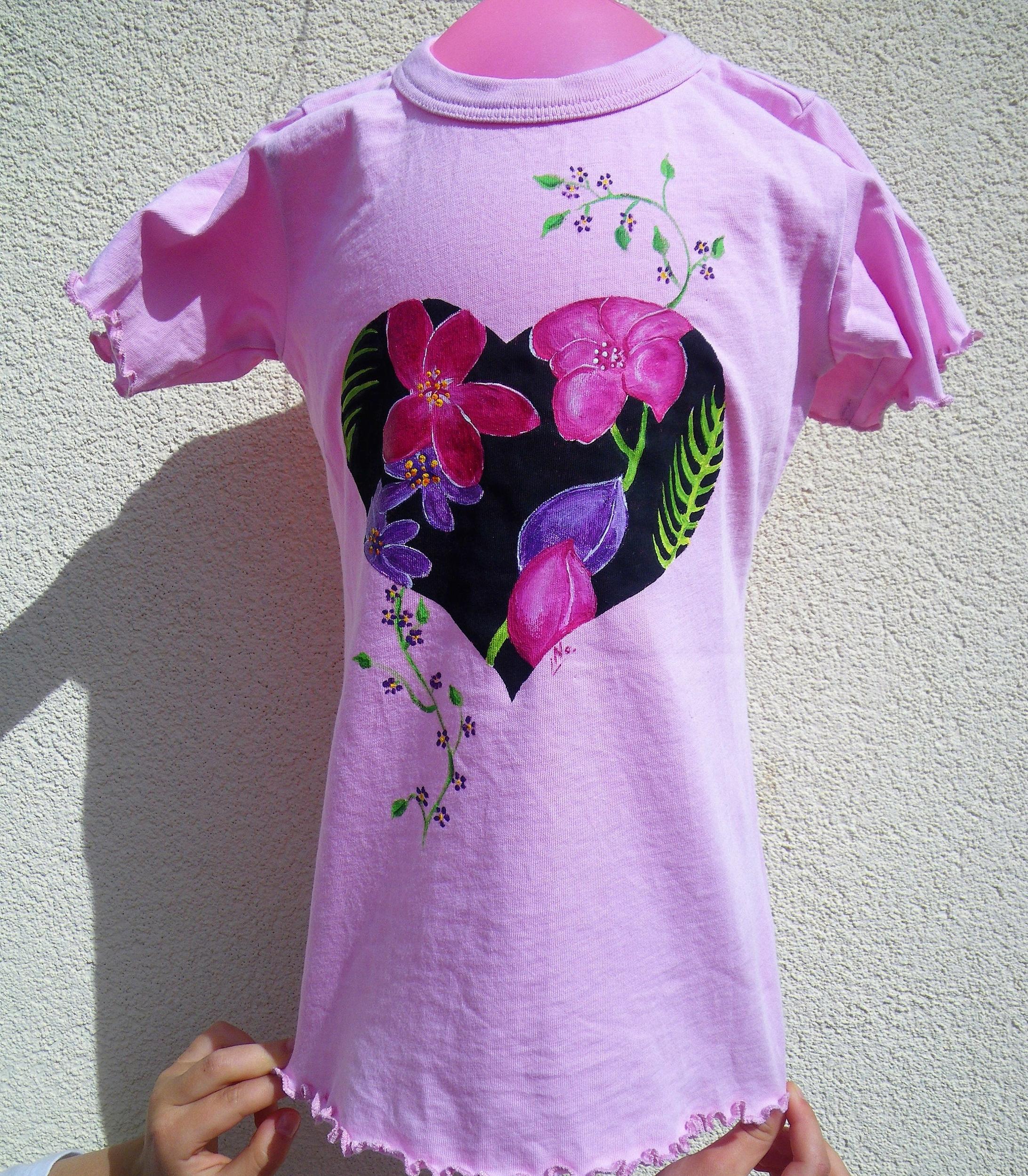 Tee-shirt rose fille peint à la main en coton