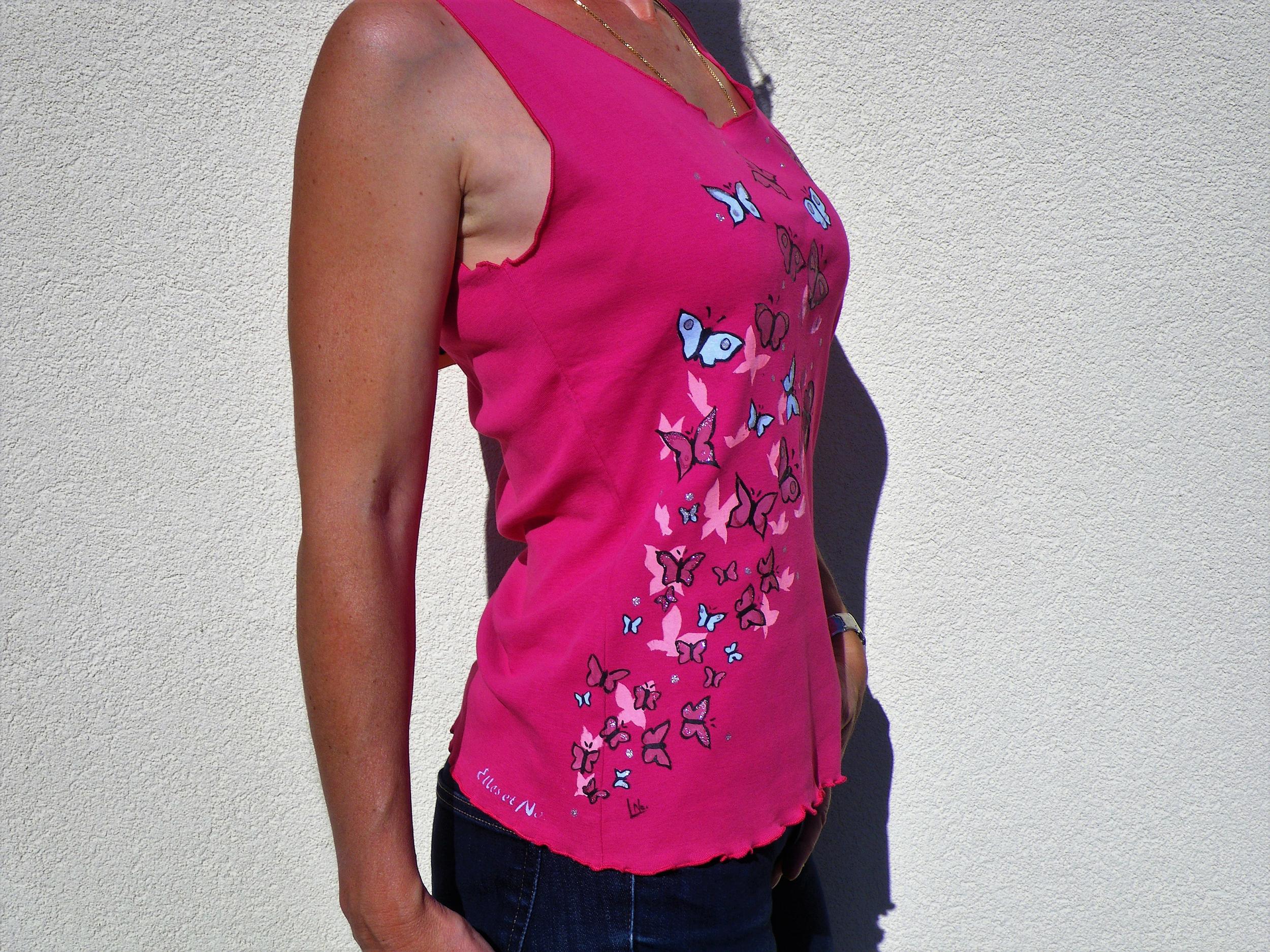 Débardeur femme en coton rose fuchsia, peint à la main.