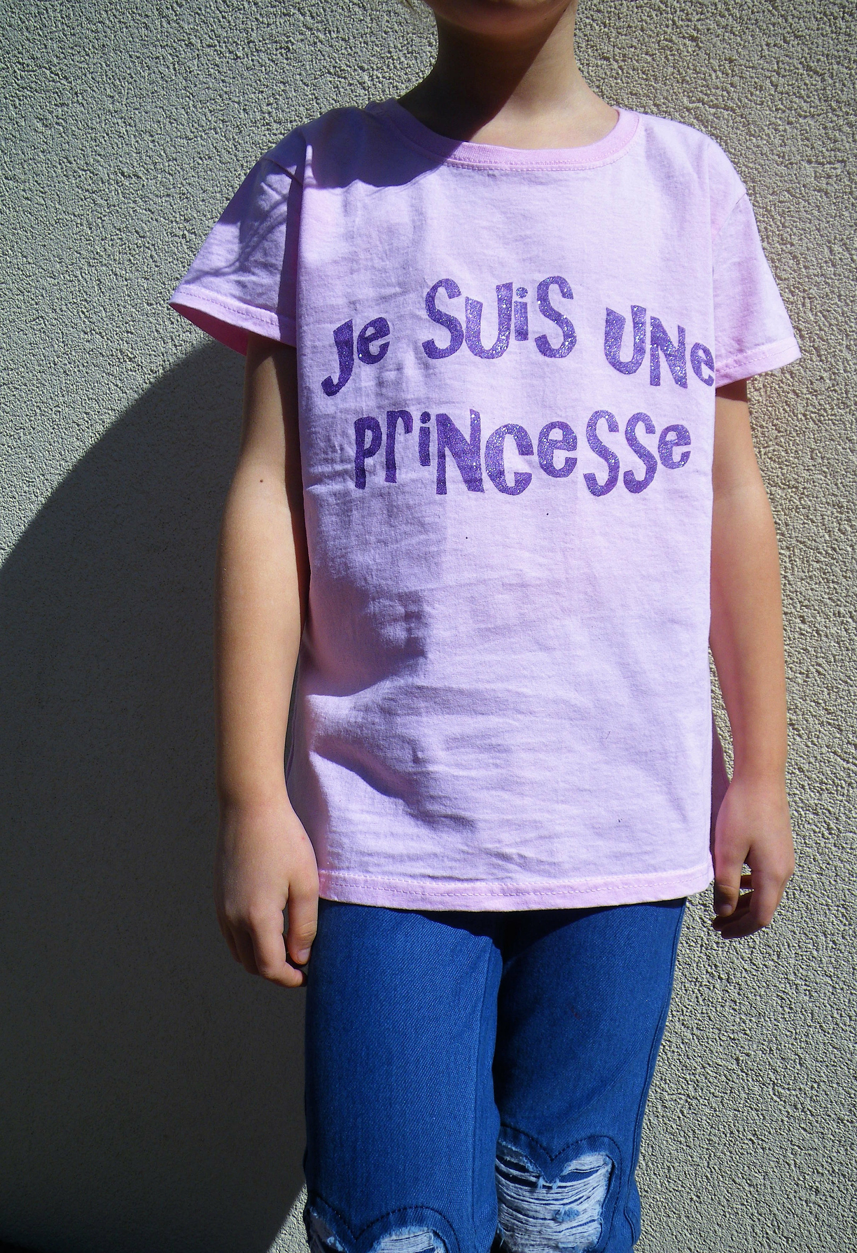 Tee-shirt en coton peint à la main pour fille