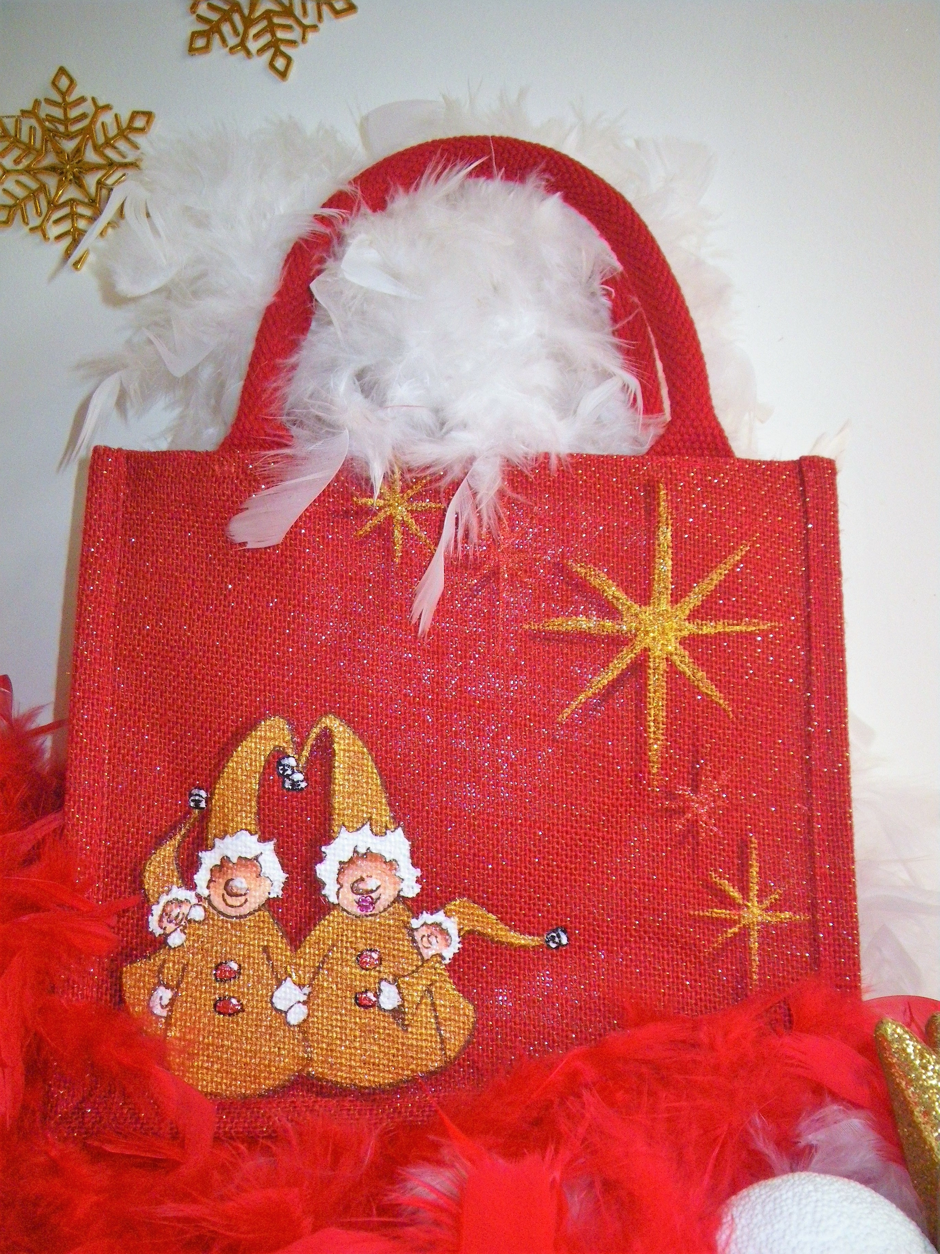 Sac rouge pailleté avec lutins de Noël