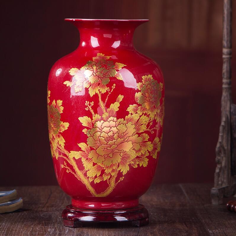 Vases en céramique décorée