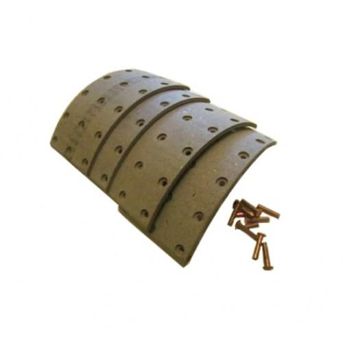 v5493-Ensemble de garniture de frein - 2 1/2 de large - 635mm. 10 trous. Avec rivets. 4 pcs