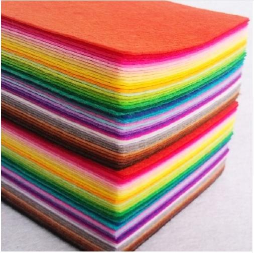 Feutrine 21 cm x 30 cm épaisseur 1mm 10 couleurs au choix