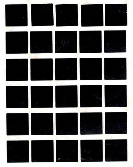 30 gommettes carrées 2 cm X 2 cm Noires
