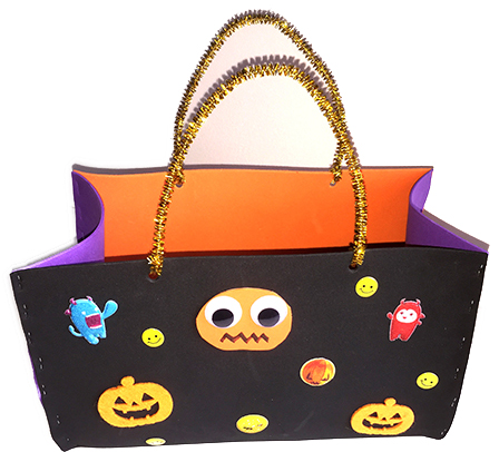 bricolage facile pour halloween un sac bonbons. Black Bedroom Furniture Sets. Home Design Ideas