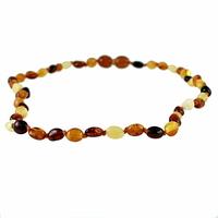 """Collier bébé ambre multi, formes olives, noeuds, au choix fermoir """"à visser"""" ou """"à clipser"""", long. 34cm"""