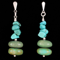 Boucles Turquoise & Argent, pierres baroques et disques, mi-longues, hauteur 3.8cm