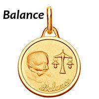 Médaille Balance plaqué Or, haut. 2.3cm + gravure