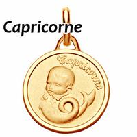 Médaille Capricorne plaqué Or,  haut. 2.3cm + gravure