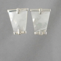 Boucles nacre blanche & argent, haut. 2.7cm