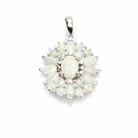 Pendentif fleur opale blanche noble & argent rhôdié, très irisée, hauteur 2.6cm