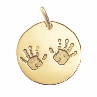 """Médaille """"petites mains"""" en plaqué or, 1.6cm, haut. 2cm, option gravure"""