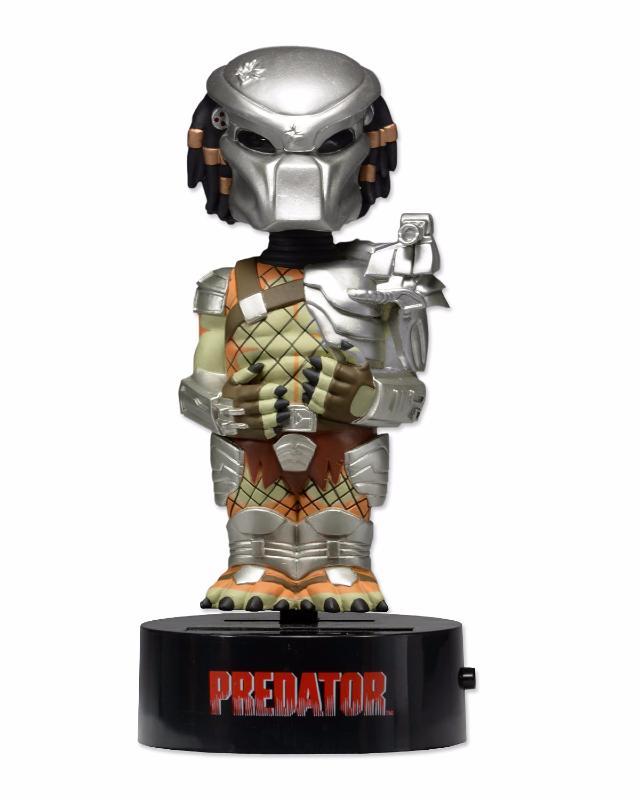 neca-BODY-KNOCKERS-predator-zoom