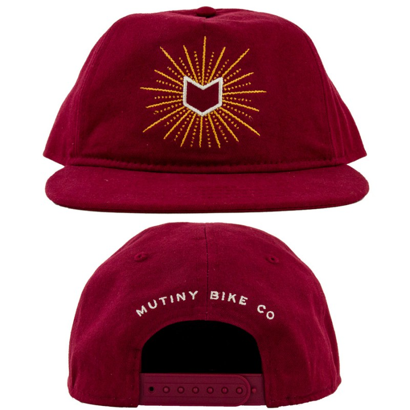casquette-mutiny-glow-unstruct-5-panel-maroon