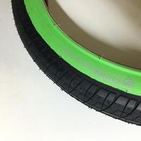 """Pneu SALT Strike 18"""" x 2.2 black/green"""