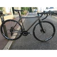 Vélo BOMBTRACK Hook 2015 grey (Vélo test)
