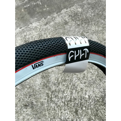 "Pneu CULT VANS 29"" Black/white sidewall"