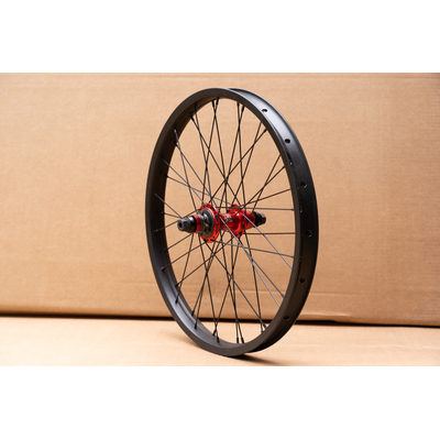 ROUE CUSTOM THE SET/ECLAT K7 RHD