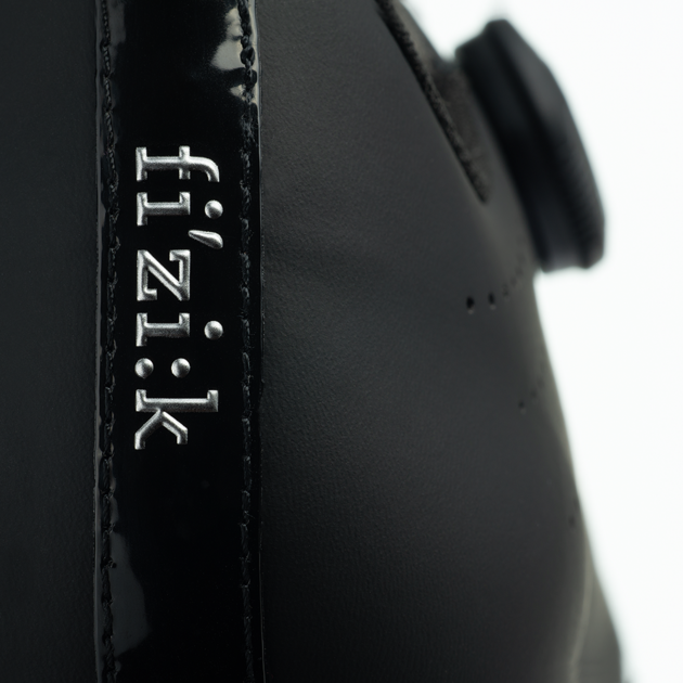 tempo-r5-overcurve-black-black-detail1_1