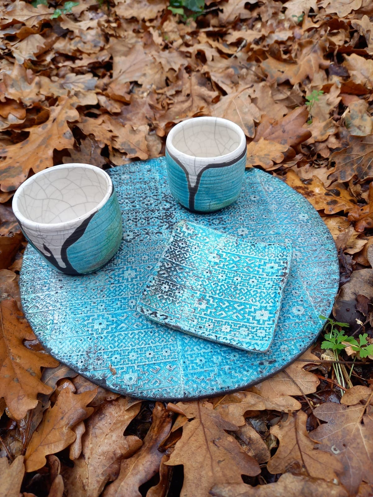 Ensemble plat+soucoupe+duo tasses raku bleu