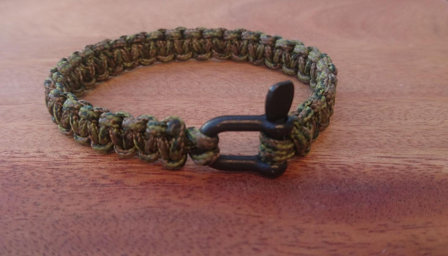Bracelet de survie MINI pour homme en paracorde et manille en acier inoxydable - kaki