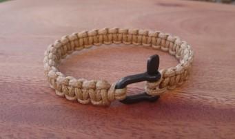 Bracelet de survie MINI pour homme en paracorde et manille en acier inoxydable - beige sable