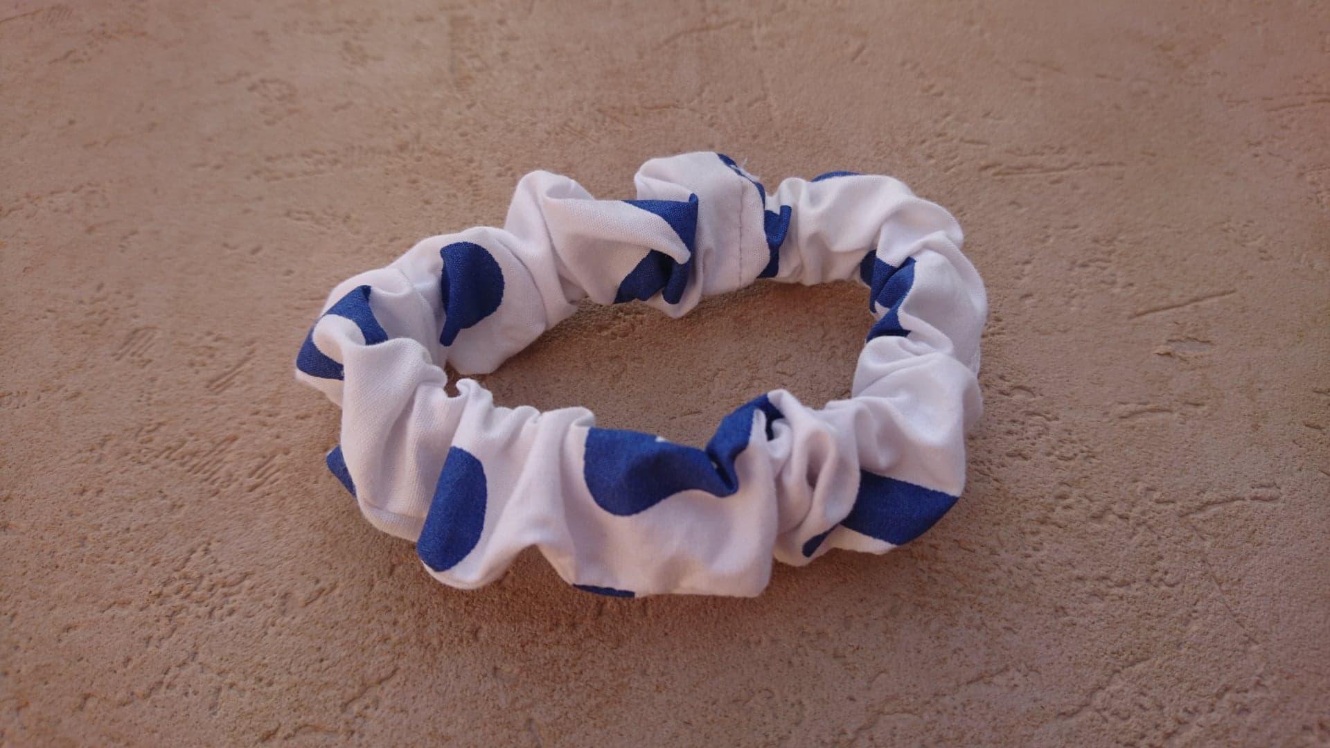 Chouchou fin en coton - blanc/bleu