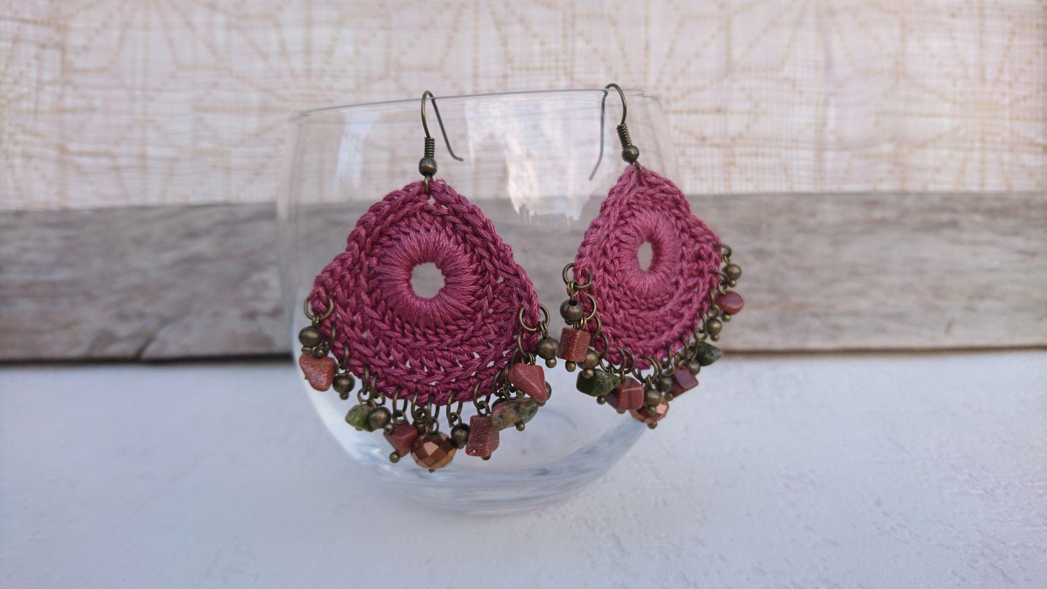 boucles oreilles crochetées rose ancien