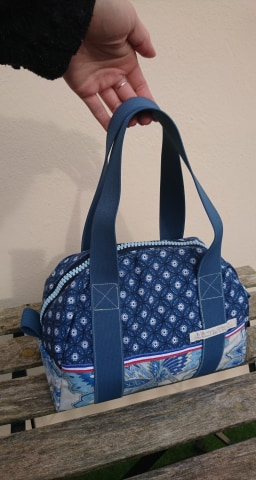 Lunchbag - sac à repas isotherme - bleu et blanc à fleurs