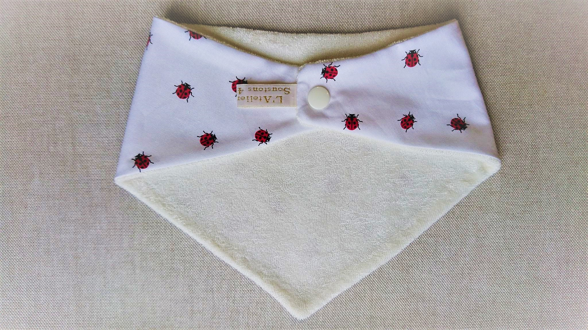 Bavoir bandana en coton et micro-éponge bambou certifiés oeko-tex, coccinelles
