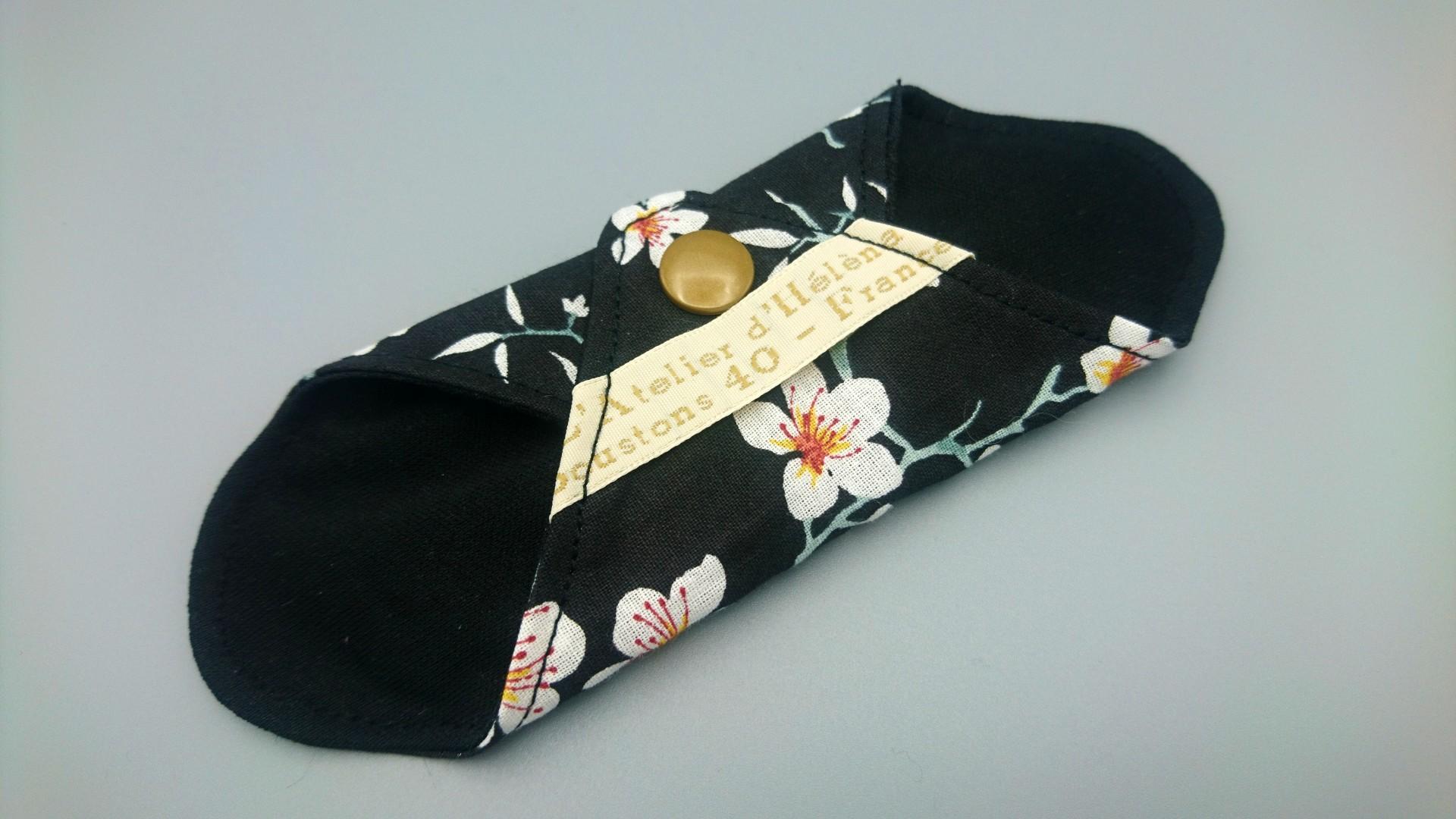 mini protege slip noir fleurs