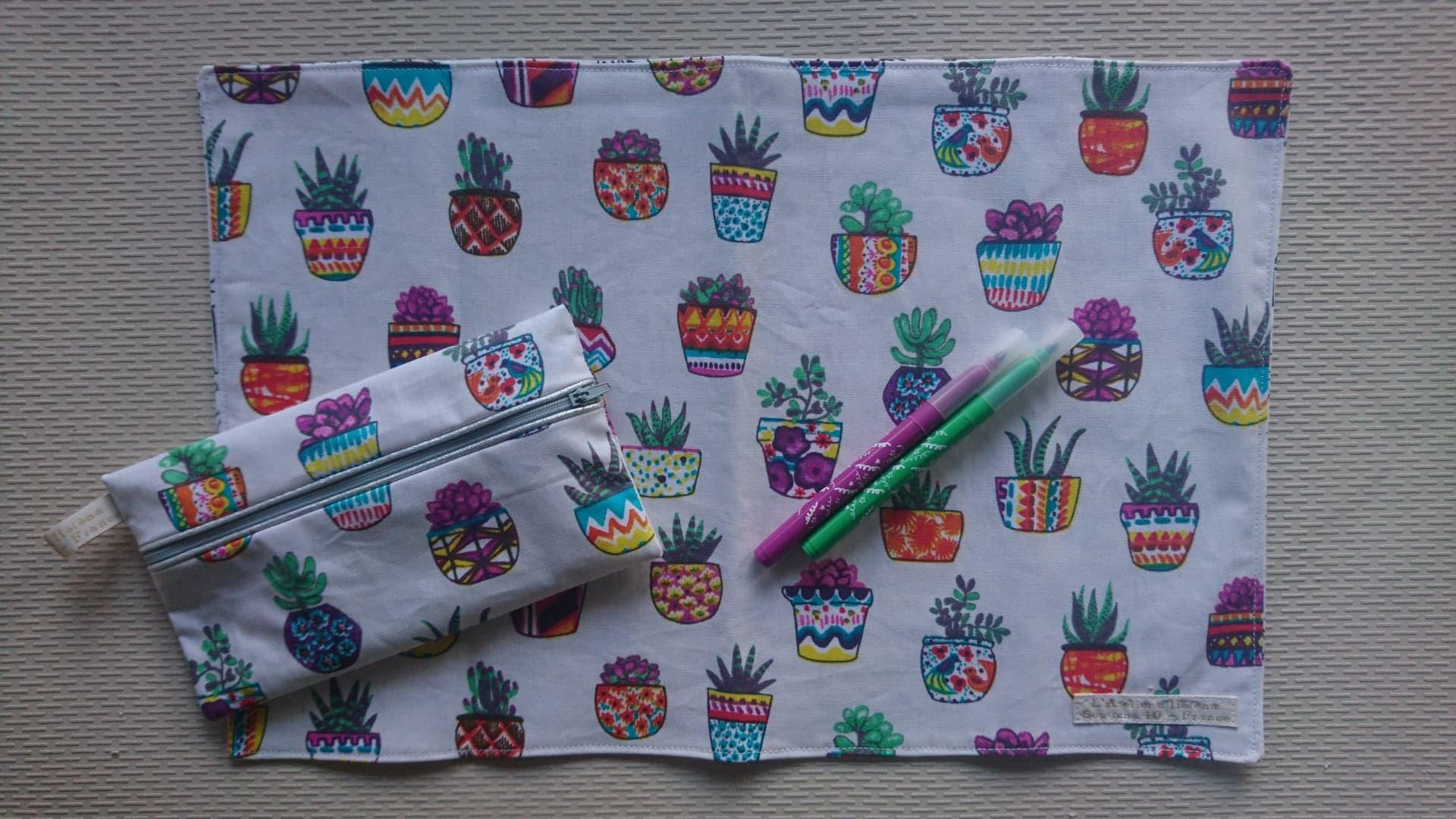 Set de table lavable à colorier & trousse - coloris au choix